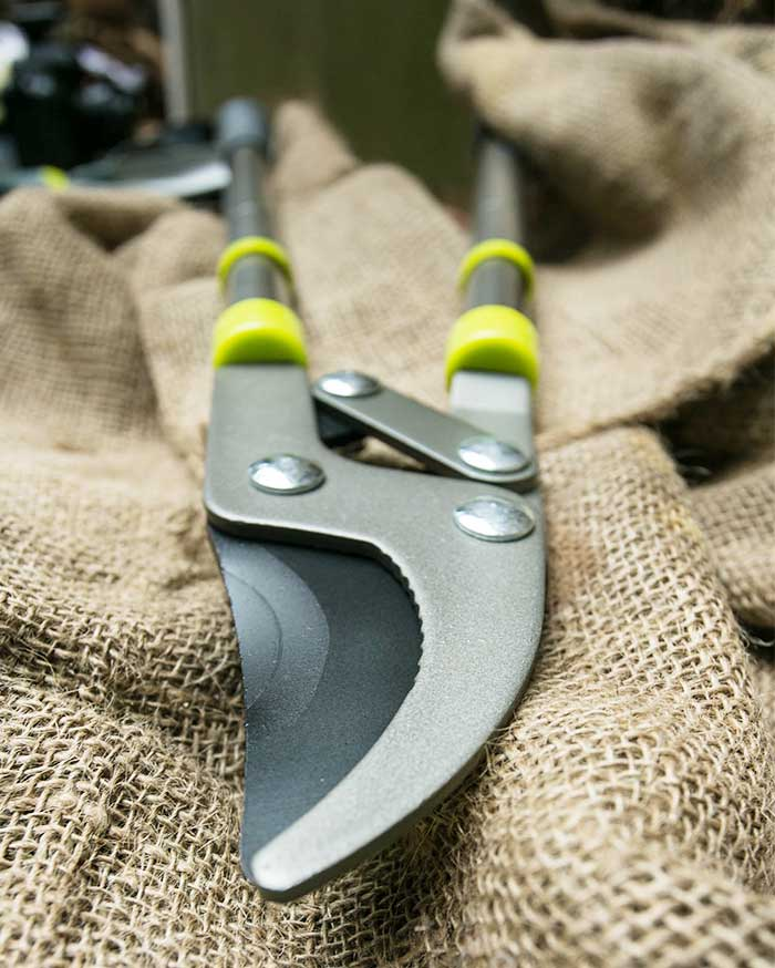 What are the precautions for storage of garden tools?